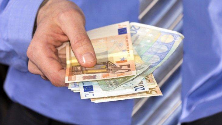 revenu-universel-france-conseil-national-du-numerique-une-746x420